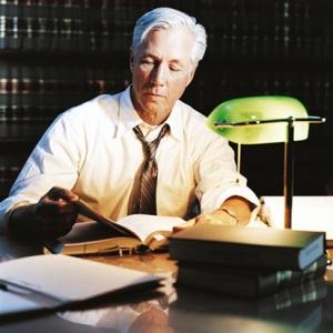 Una gran alternativa son los MBAs enfocados en leyes.